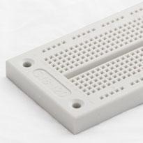 700 tiepoint solderless breadboard