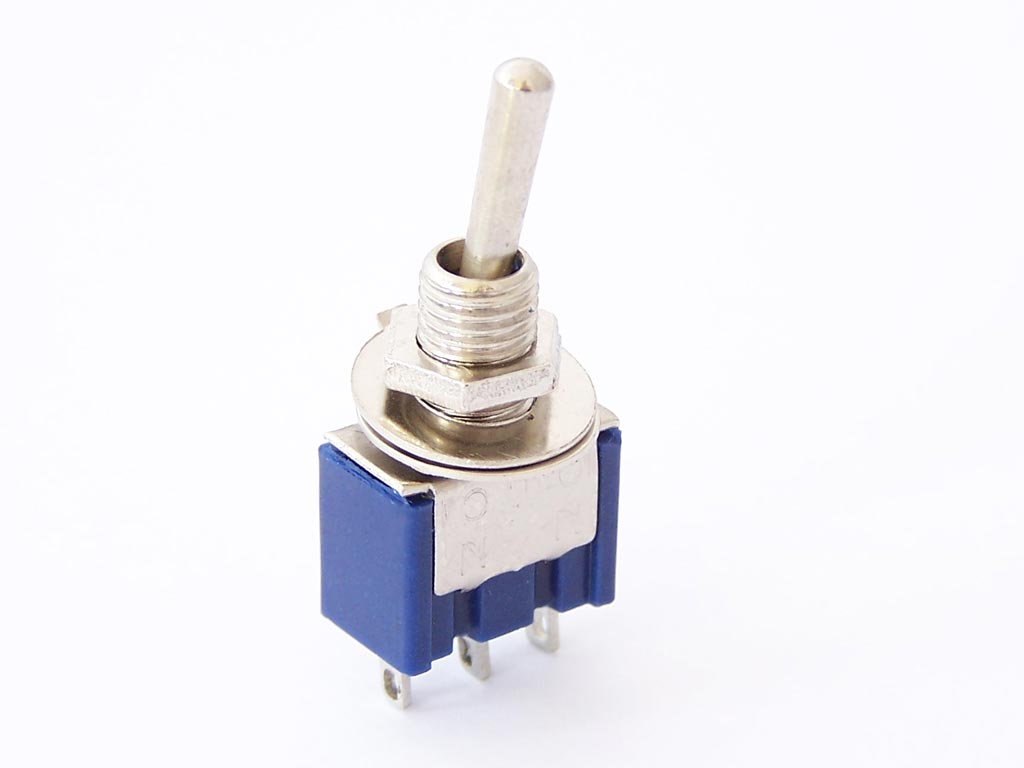 Mini Toggle Switch Spdt   1 25   Protostack  Avr